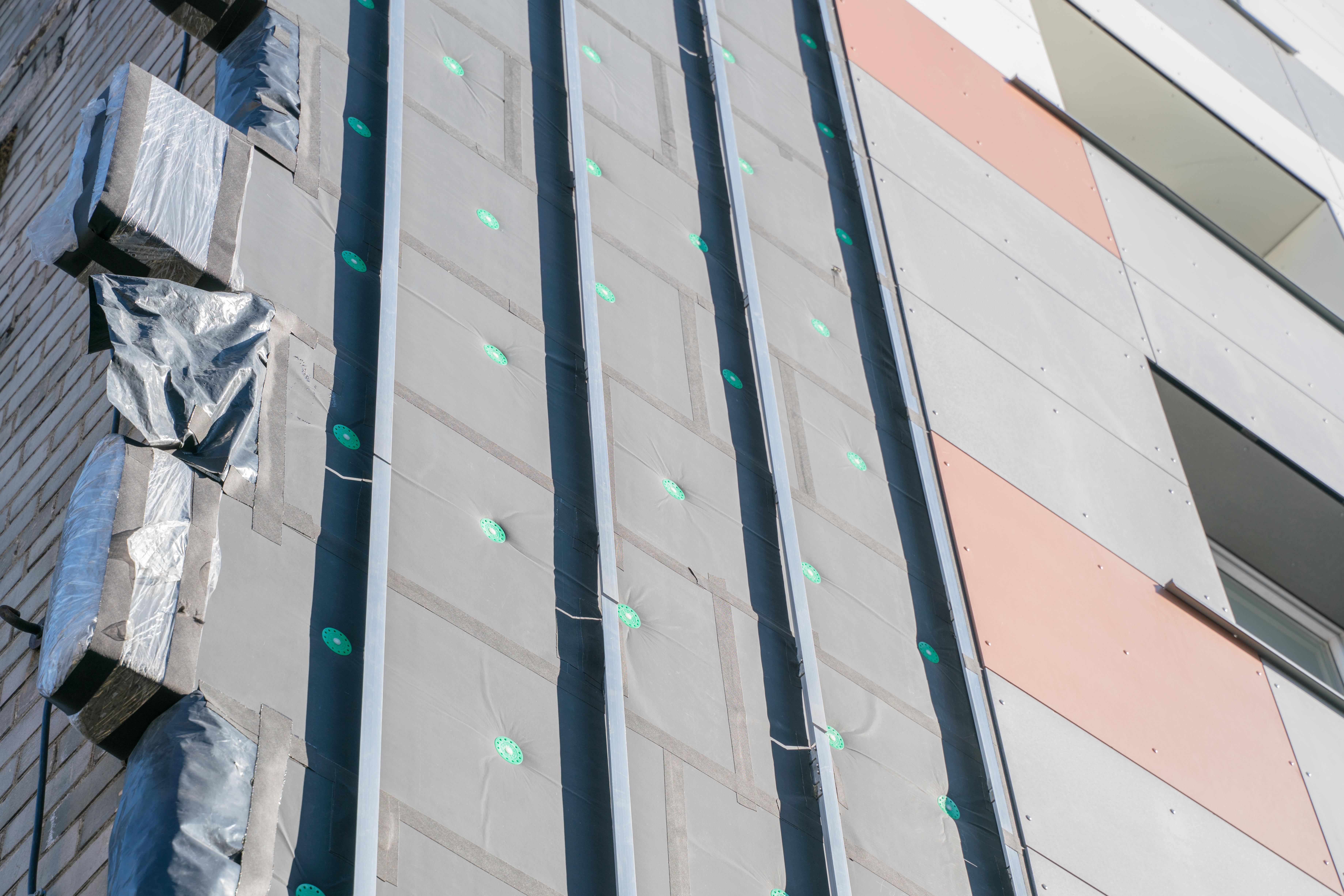 Stratigrafia funzionale di una facciata ventilata
